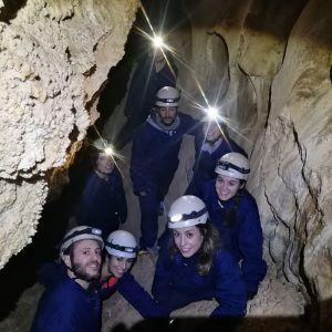 Grupo de personas en la excursión de Nívar - Latas